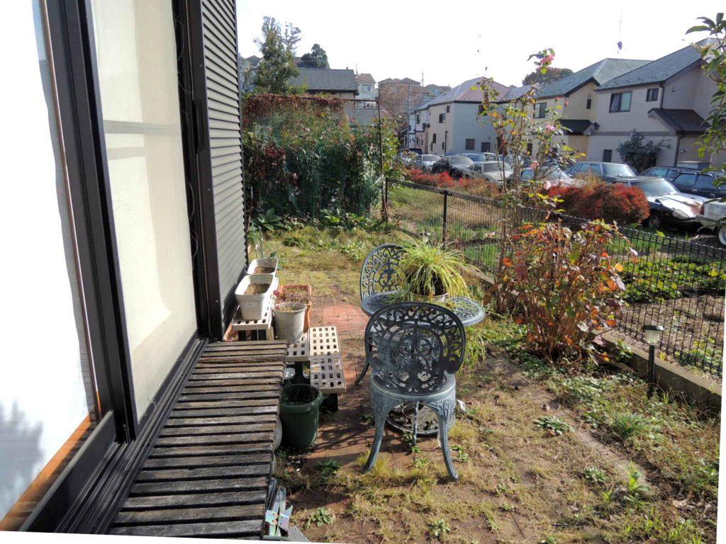 リフォーム前の庭 雑草