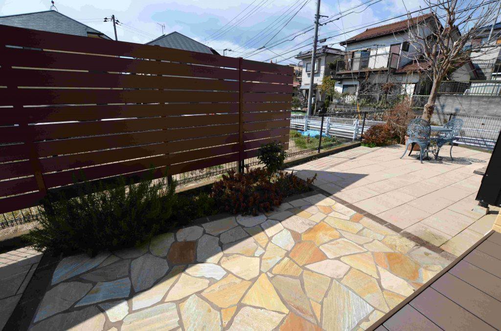 目隠しフェンスと雑草防止でお庭をリフォーム