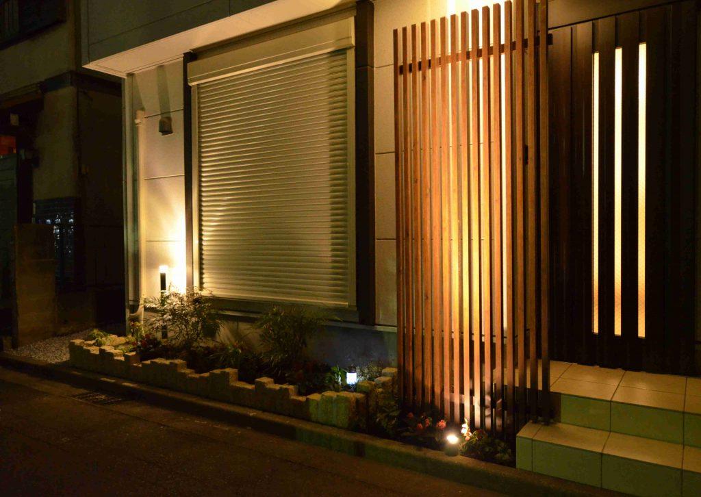 ガーデンライト美彩と目隠しフェンス